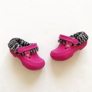 Crocs pink zebra lined water shoes/ sandals 6/7